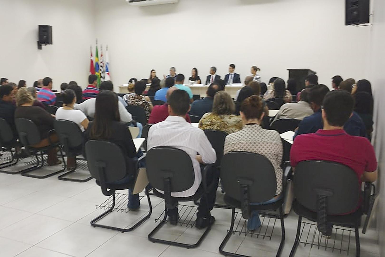 Comarca de Dracena promove curso sobre adoção