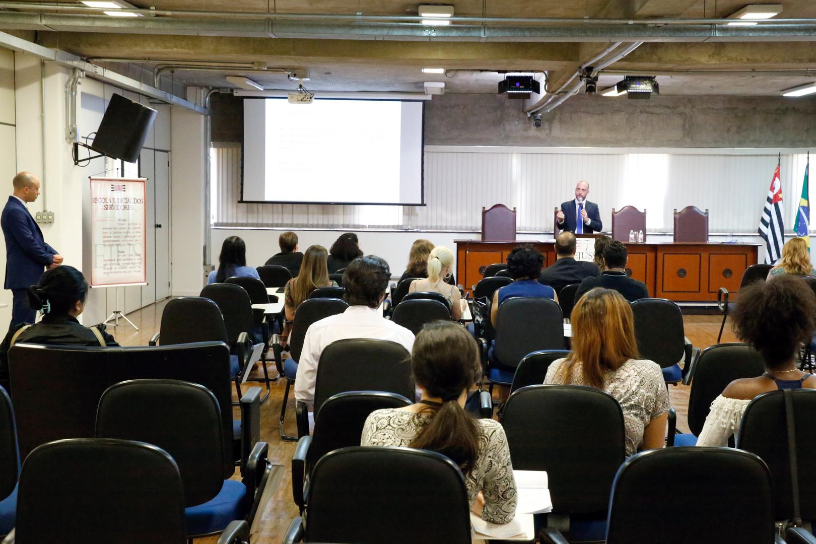 Lei nº 13.718/2018 é analisada em palestra da EJUS