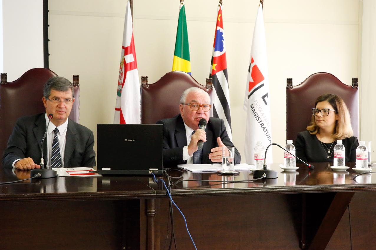 Módulo do Curso de Especialização em Direito Empresarial é iniciado na EPM