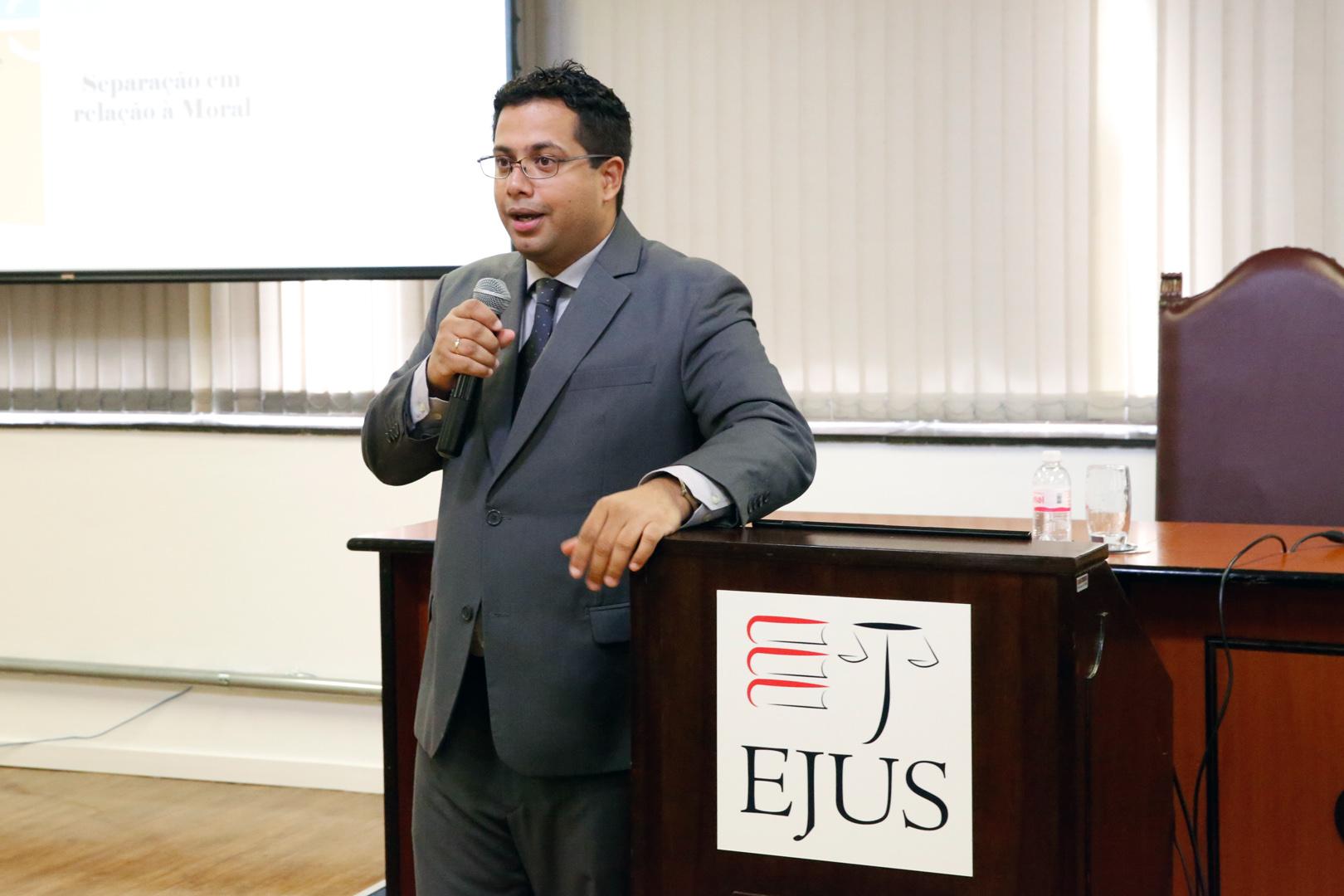 EJUS promove o curso 'Ativismo judicial e hermenêutica jurídica'