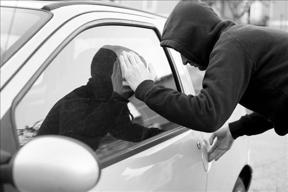 Réus são condenados a mais de nove anos de prisão por roubos de carro em série