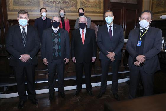 Representantes do TJSP e do Banco do Brasil reúnem-se no Palácio da Justiça