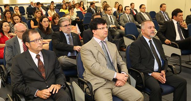 Relação entre o Judiciário e o sistema financeiro é debatida na EPM