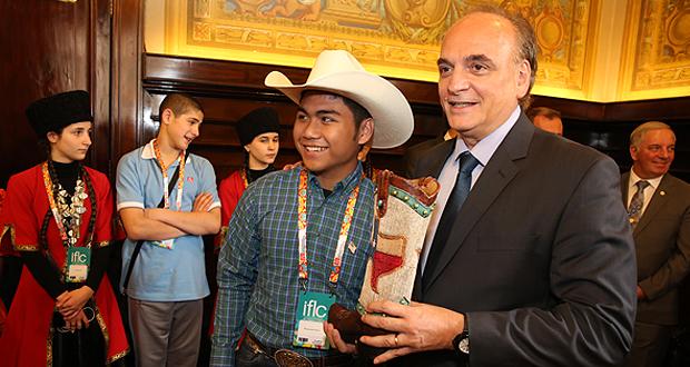 Jovens de diversos países visitam TJSP