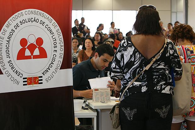 Cejuscs auxiliam população a resolver conflitos e chegar a acordos