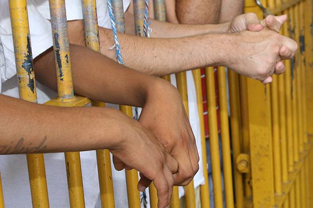 Presidiário que tentou serrar grades da cela perde um terço de dias remidos
