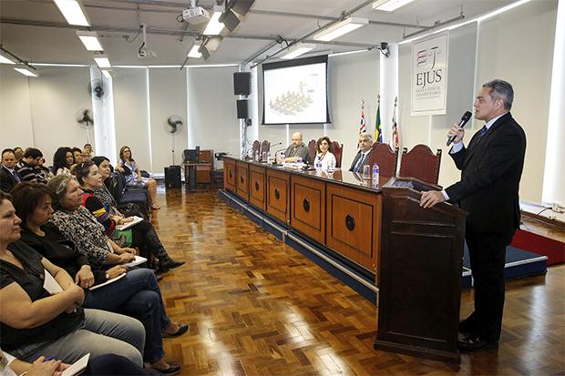 EJUS inicia curso sobre fiscalização de contratos
