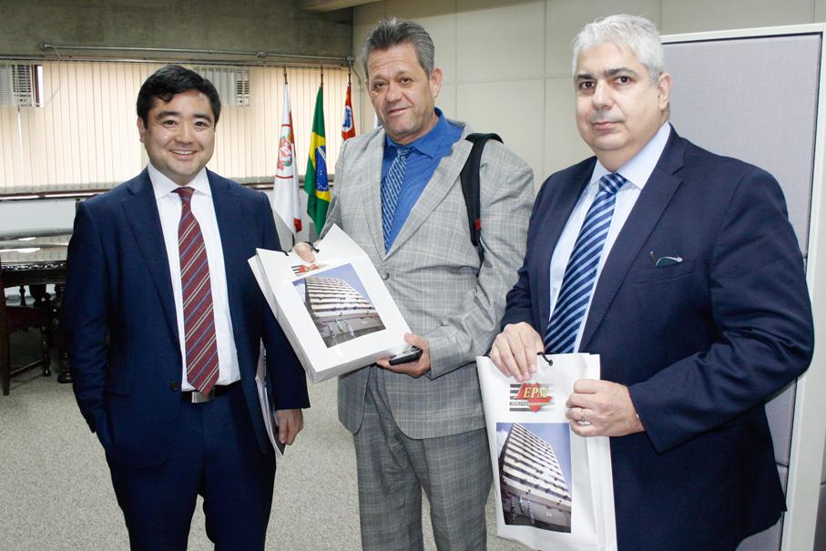 Professor Alfonso Caballero visita a EPM