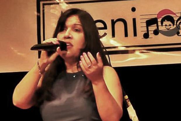 Escritora, cantora, compositora e servidora do TJSP
