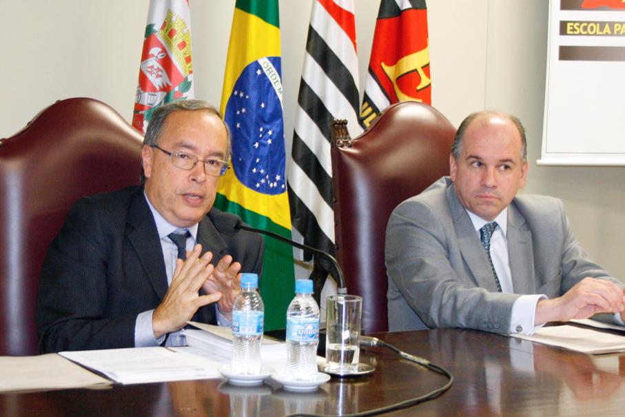 Imunidade parlamentar e perda de cargos são debatidos no curso de Direito Eleitoral e Processual Eleitoral