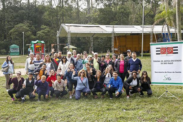 Servidores participam de caminhada pela saúde no Parque do Carmo