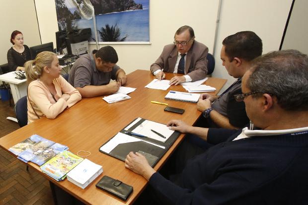Mutirão promove regularização de imóveis não conectados à rede de esgoto