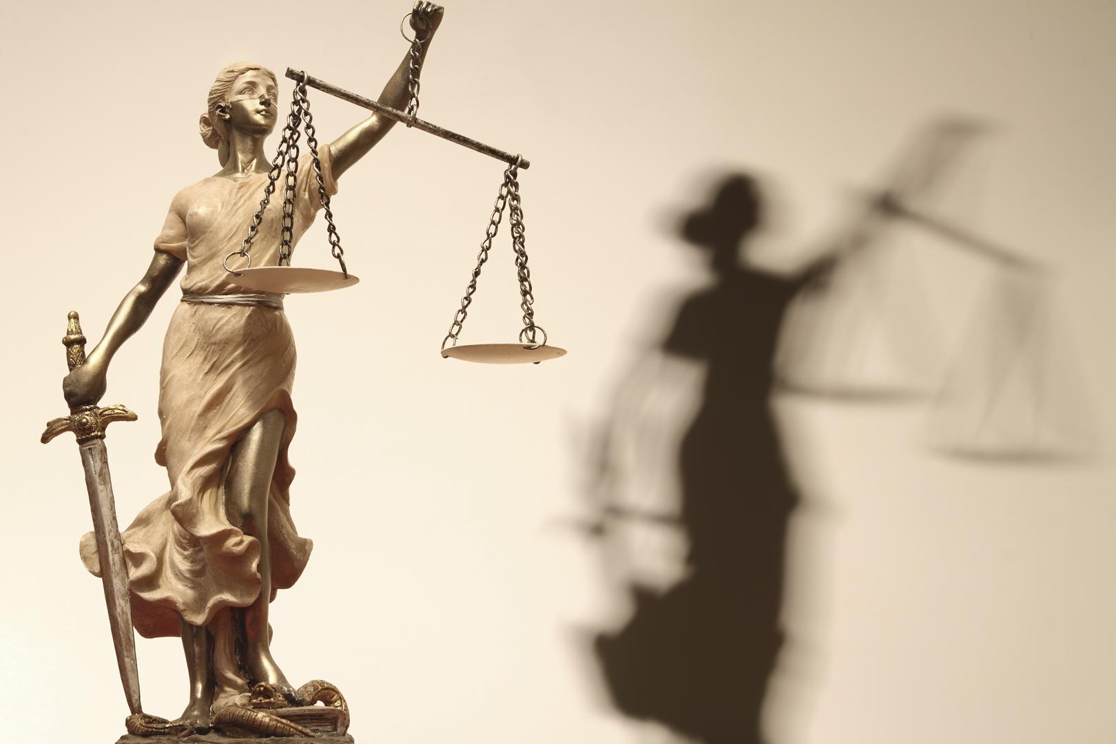 Casal é condenado por uso de documento falso