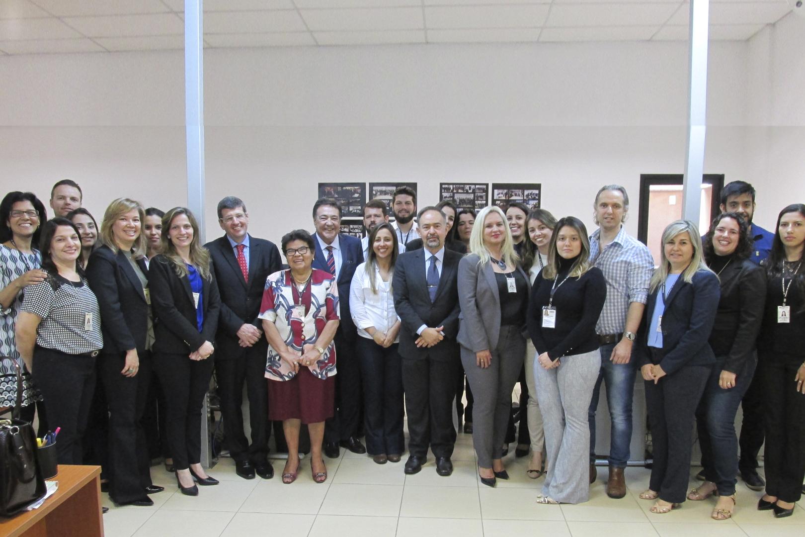 Presidente da Seção Criminal do TJSP visita Deecrim da 6ª RAJ