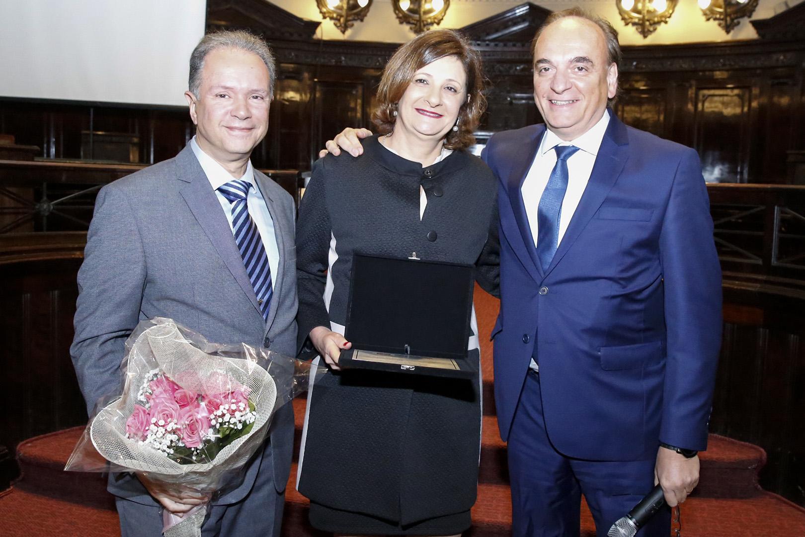 Berenice Giannella recebe homenagem do TJSP