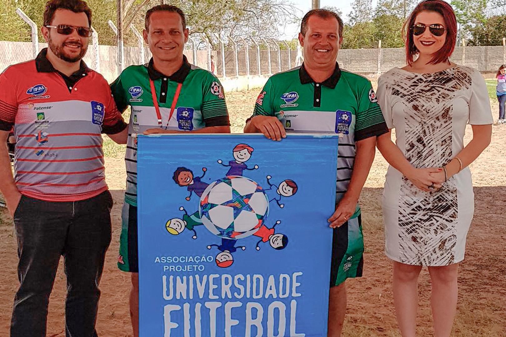 Projeto 'Universidade do Futebol' – craques na bola e na escola