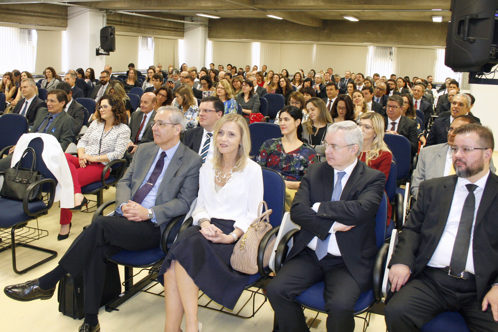 Magistrados das varas de Família e Sucessões de todo o Estado participam de encontro na EPM