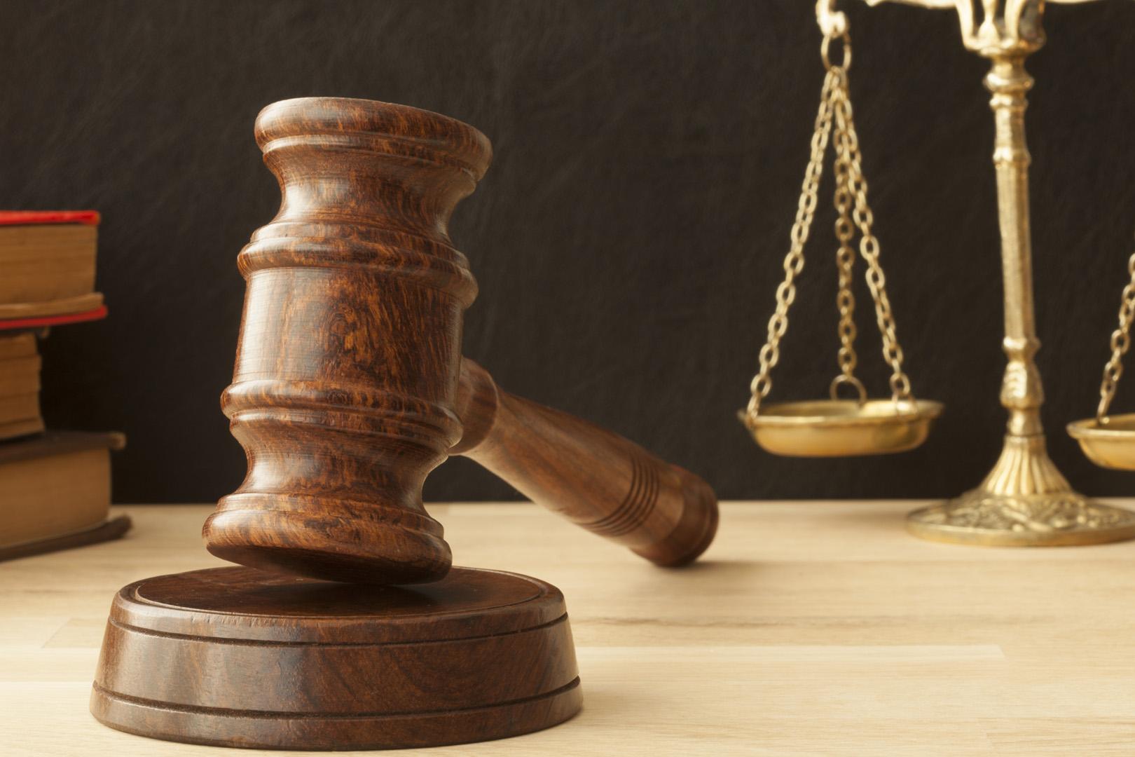 Estado deve ressarcir despesas processuais pagas por réu absolvido em ação civil pública