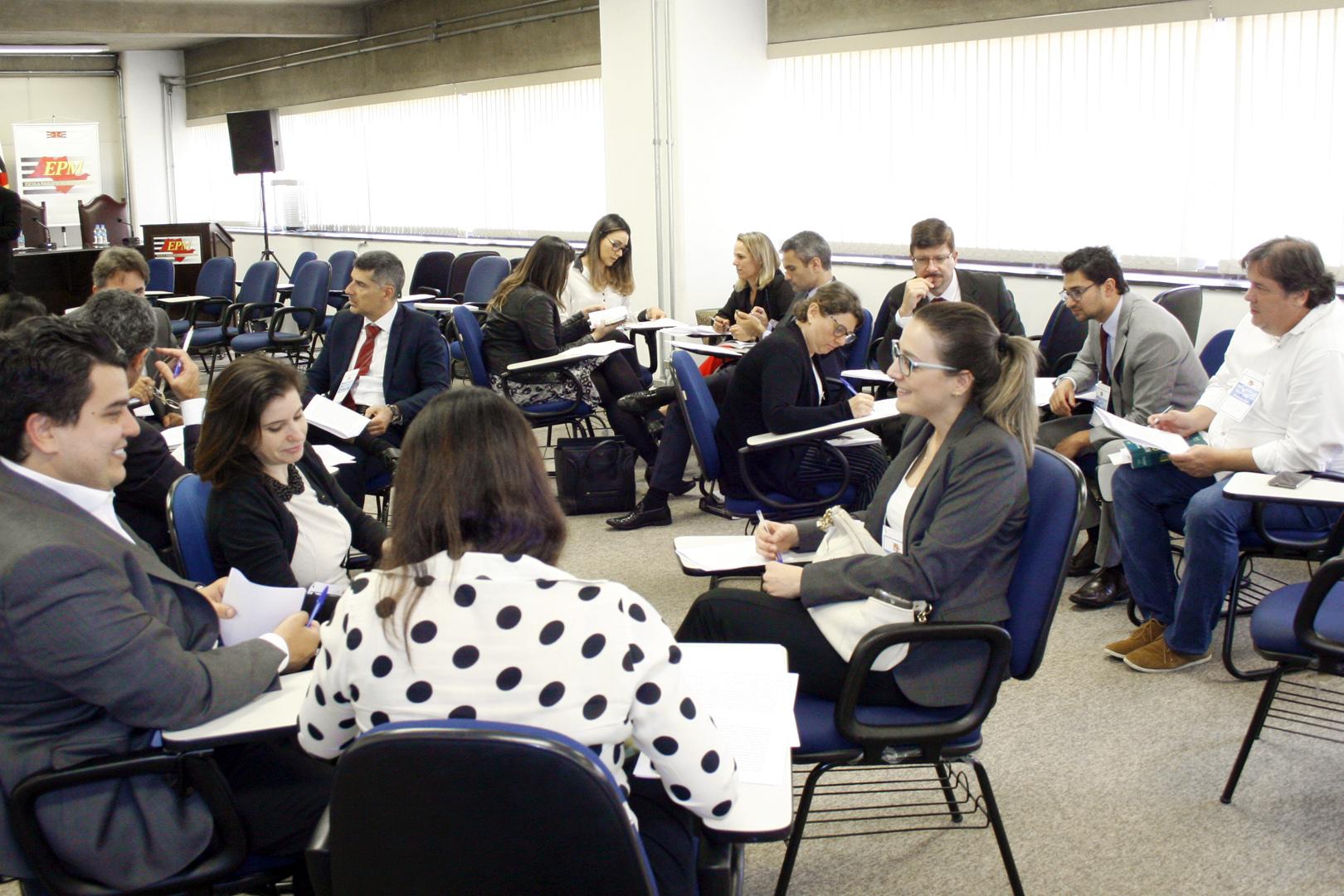 EPM realiza o curso 'Teoria e prática do novo Código de Processo Civil' para magistrados