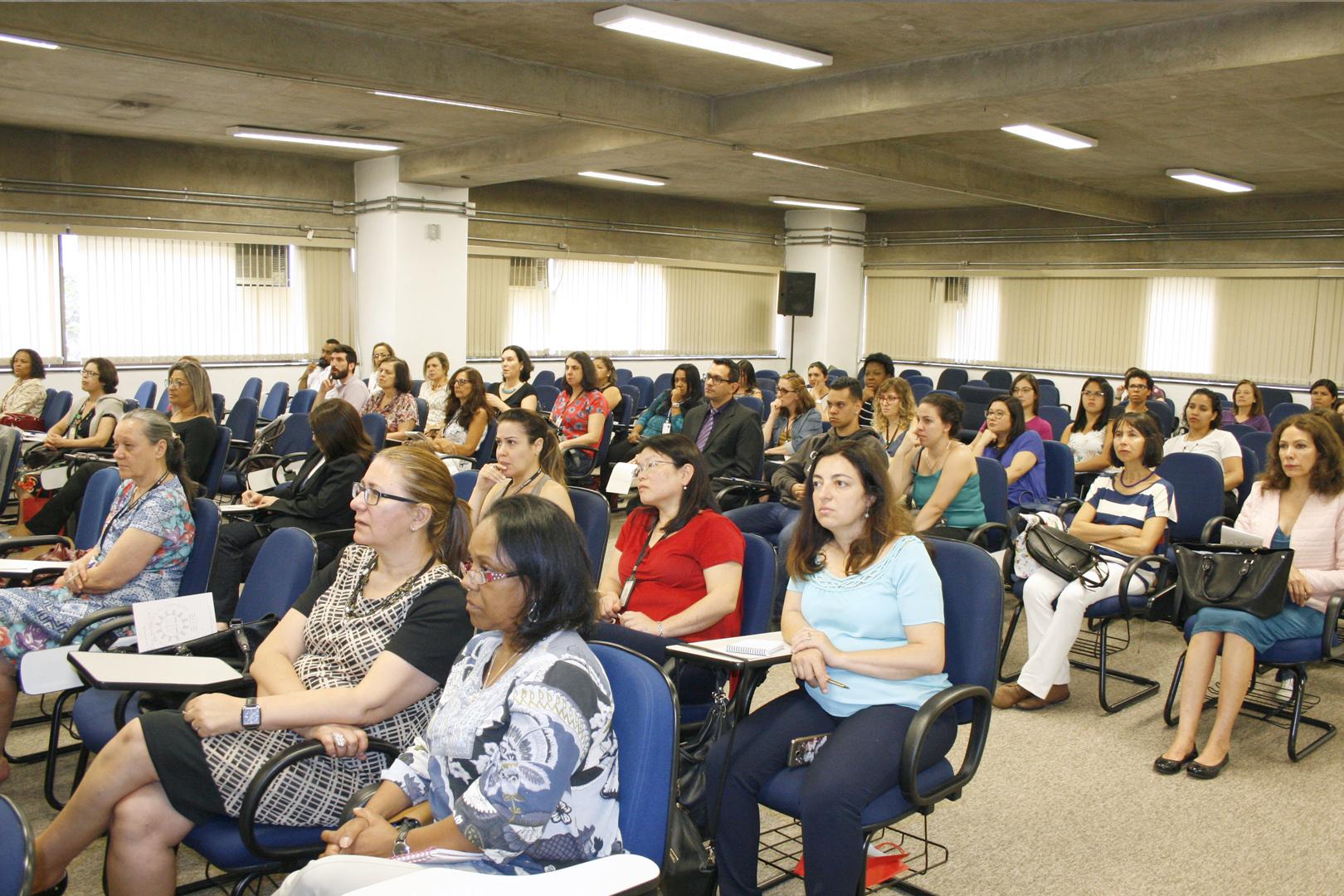 Automutilação é debatida em seminário na EPM