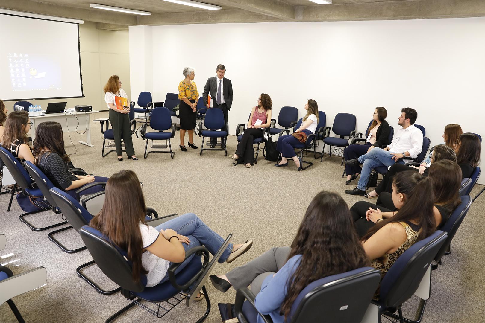 Estudantes de Direito do Mackenzie visitam a EPM