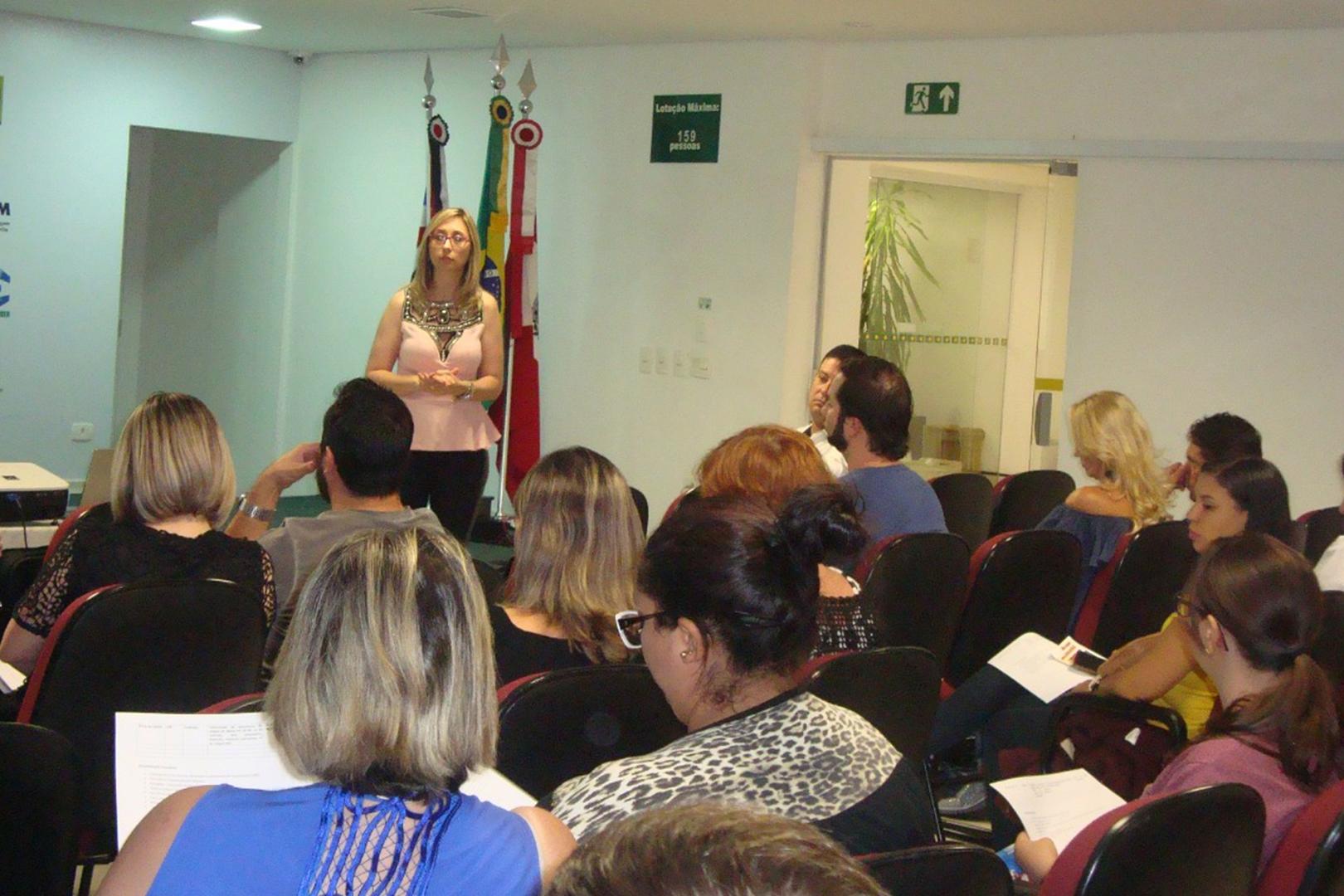 Parceria entre Cejusc de Marília e Associação Comercial busca recuperação de crédito da população