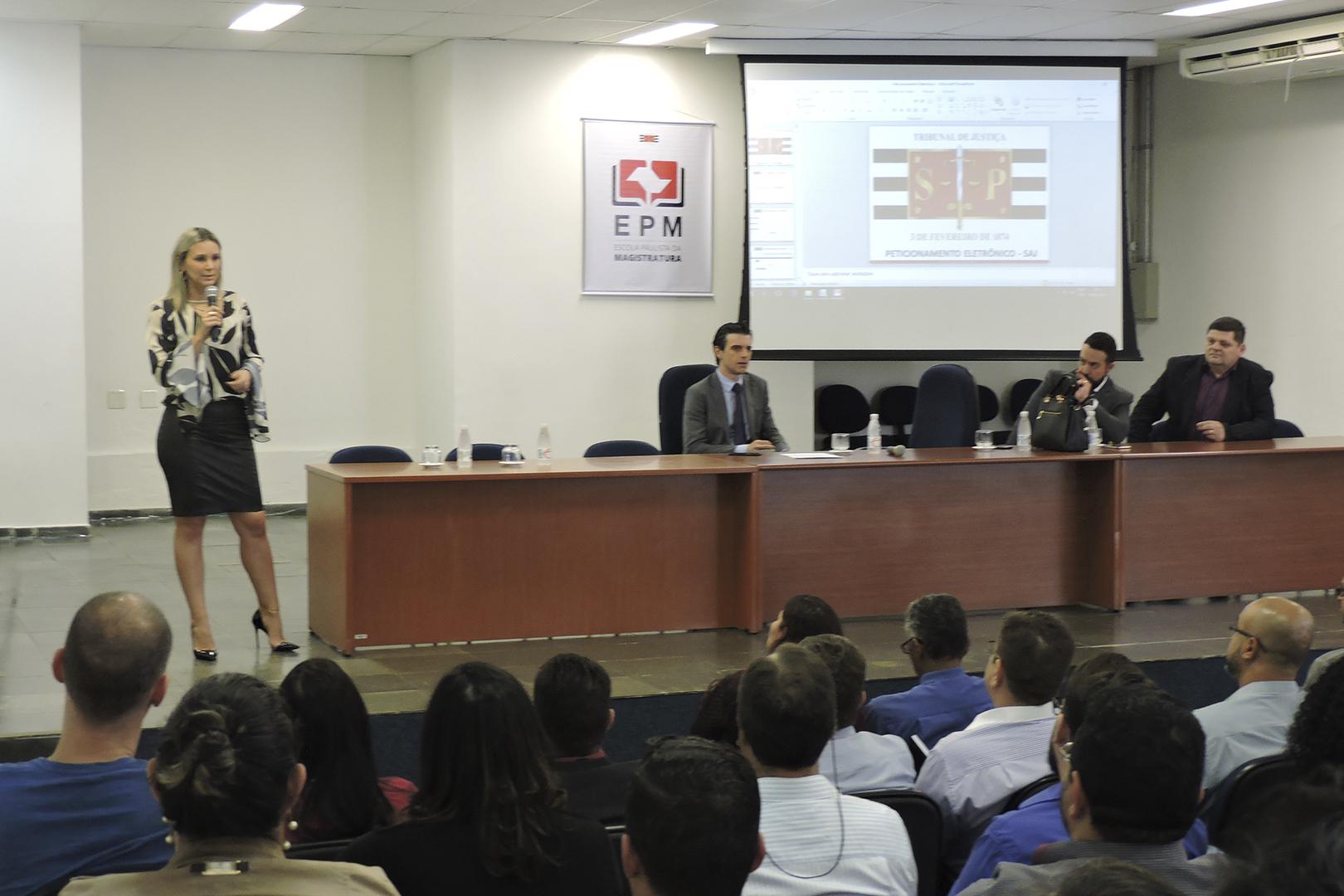 Deecrim de Campinas realiza curso para servidores da SAP