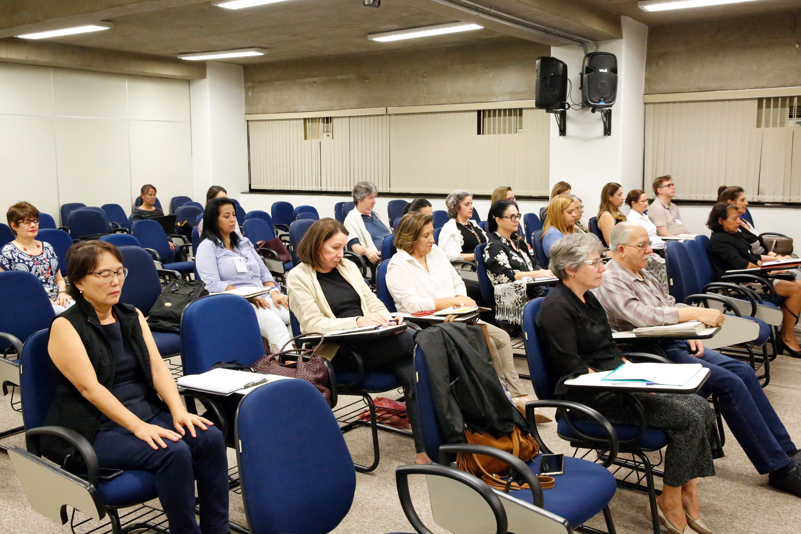 Organização familiar e oficina de pais e filhos são estudadas no 'Curso de aperfeiçoamento em mediação familiar'