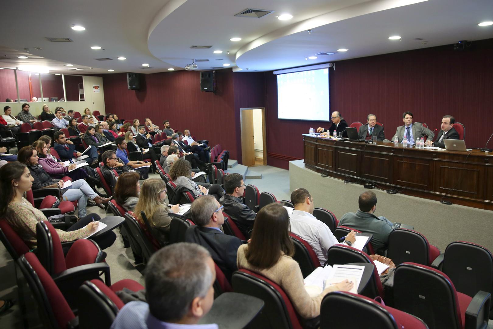 EPM promove o curso 'Duas questões relevantes do novo CPC' no Gade 9 de Julho
