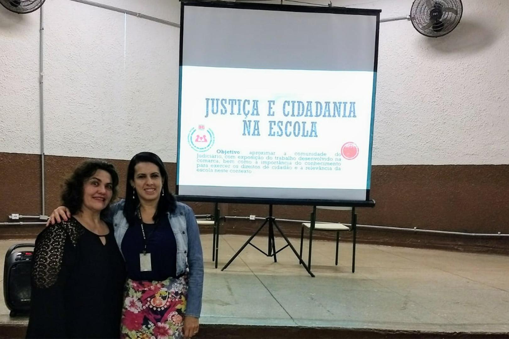 Cejusc de Iacanga promove ciclo de palestras em colégio estadual