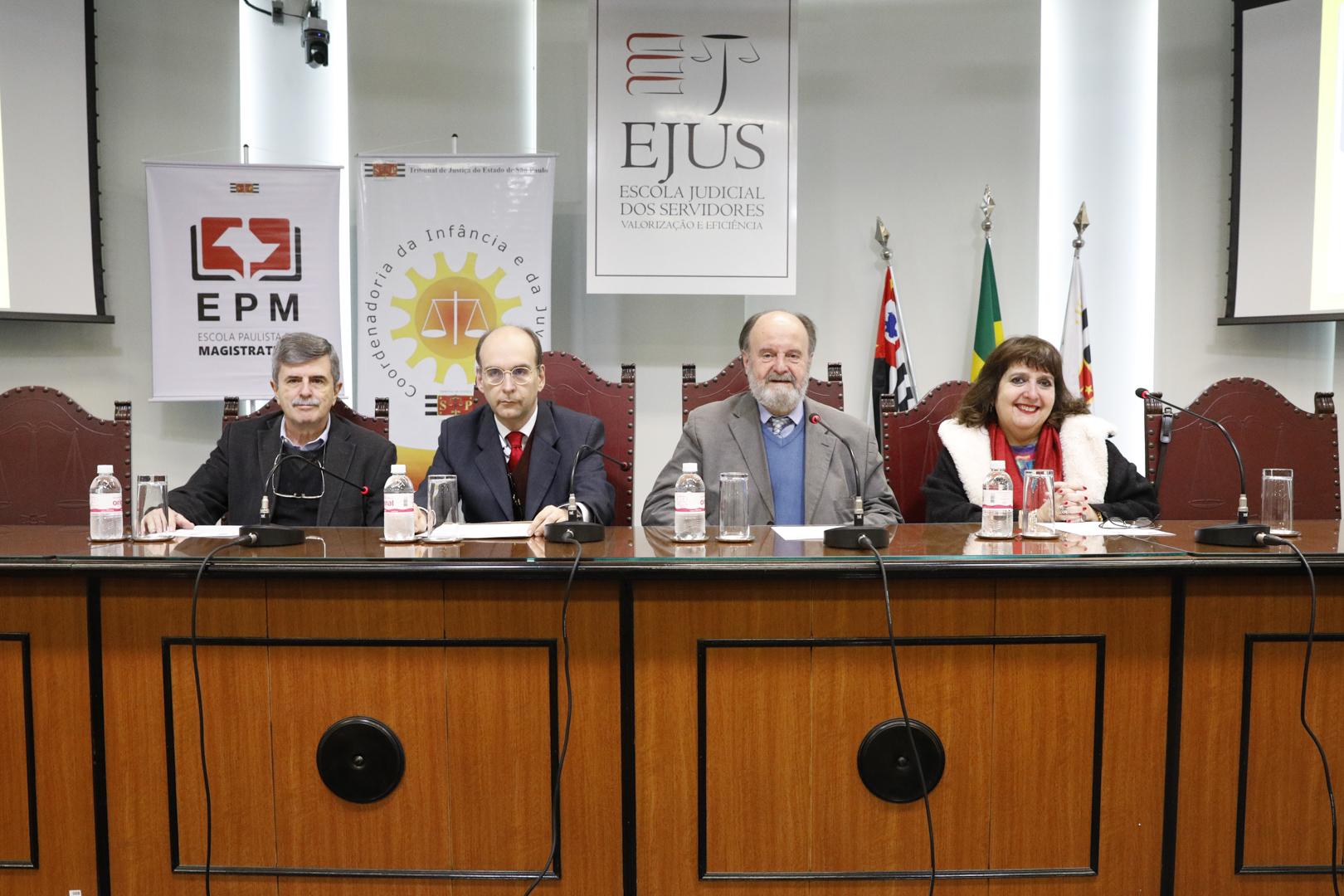 EPM e CIJ promovem seminário sobre paternidade e maternidade na adolescência
