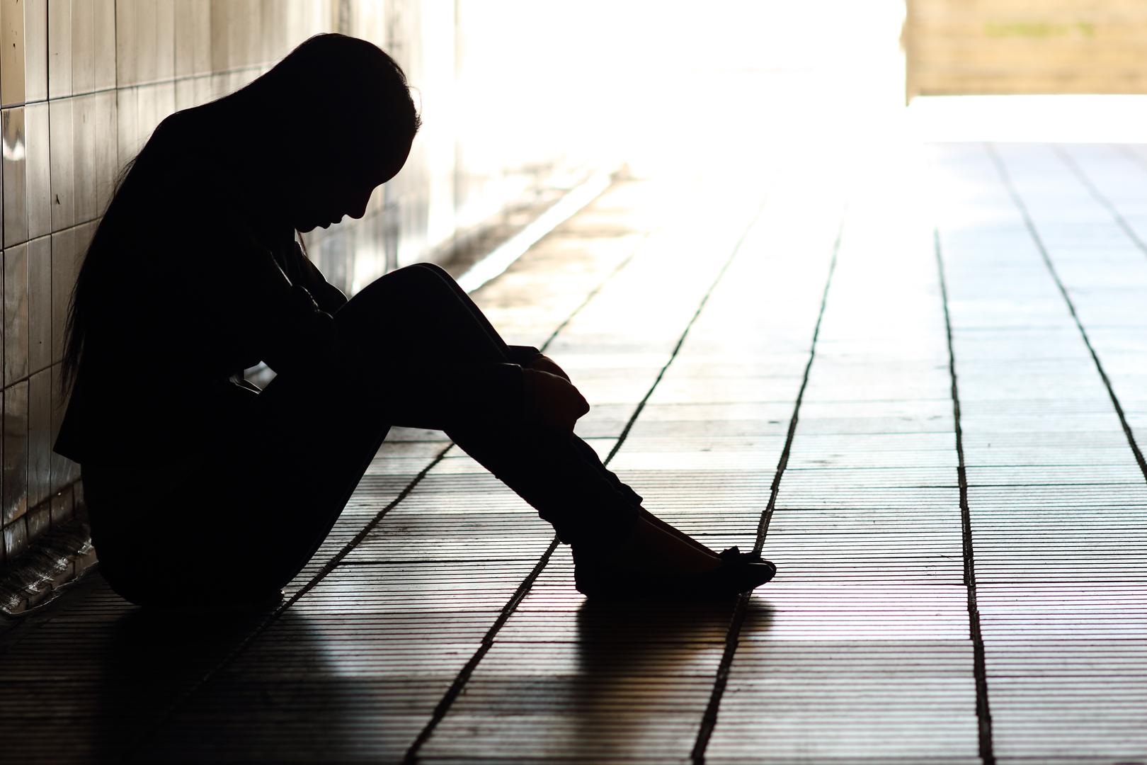 Pai e madrasta são condenados por humilhar adolescente
